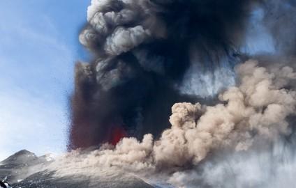 Etna eruption April 2012